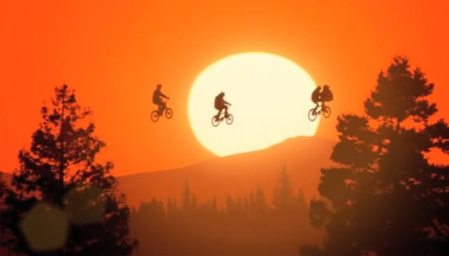 E.T The Extra Terrestrial - Film Önerileri Bİlim Kurgu
